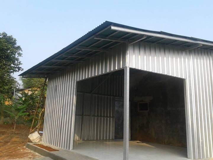 perbandingan harga pemasangan atap kayu vs baja ringan